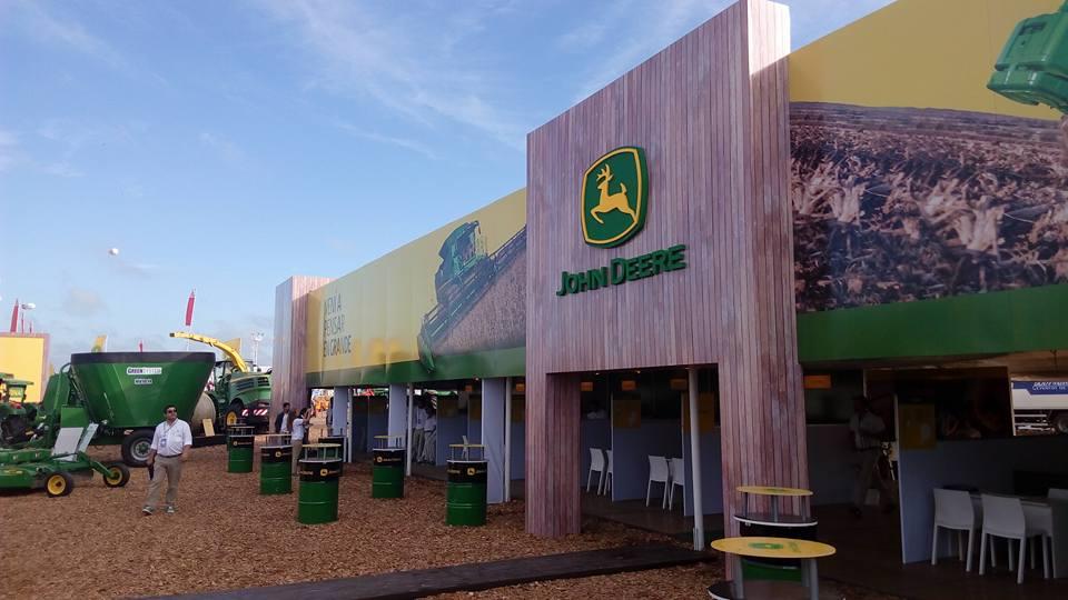 Expoagro Stands : Expoagro u asociación de concesionarios john deere